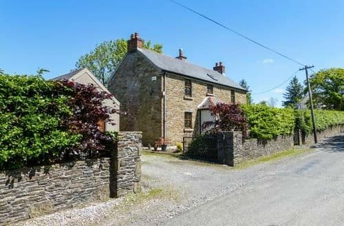 Last Minute Cottages - Hillview House