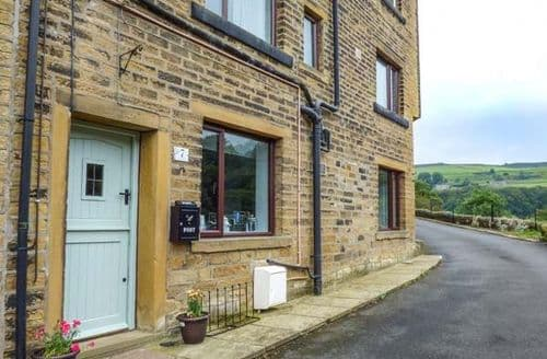 Last Minute Cottages - Adorable Luddenden Cottage S67468