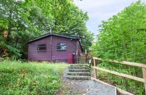 Last Minute Cottages - Delightful Troutbeck Bridge Lodge S70317