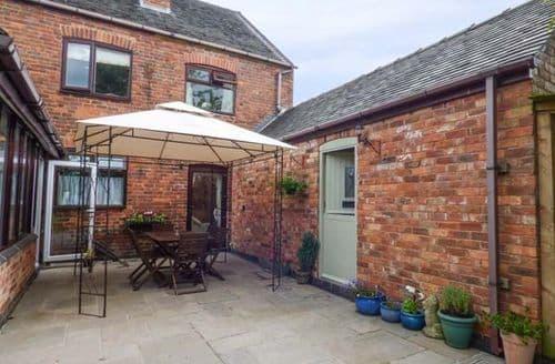 Last Minute Cottages - Wonderful Overseal Cottage S70151