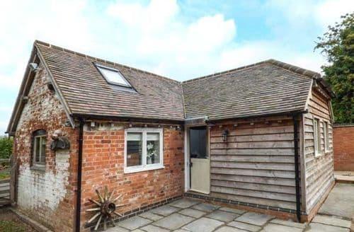 Last Minute Cottages - Stunning Barston Cottage S71458