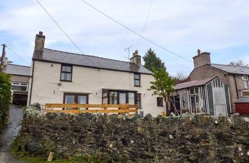 Last Minute Cottages - Splendid Rachub Cottage S73105