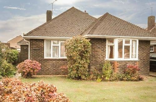 Last Minute Cottages - Wonderful Littlehampton Cottage S73347