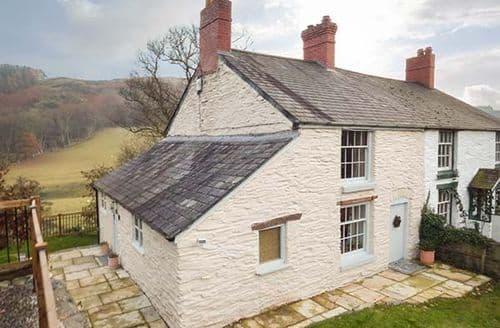 Big Cottages - Riverside Cottage