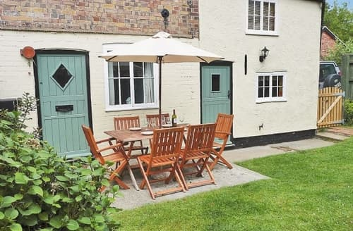 Last Minute Cottages - LATYMER COTTAGE