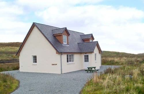 Last Minute Cottages - Gorgeous Isle Of Skye Breton S6441