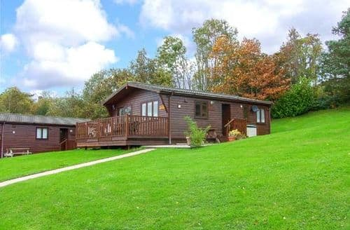 Last Minute Cottages - Luxury Narberth Lodge S12554