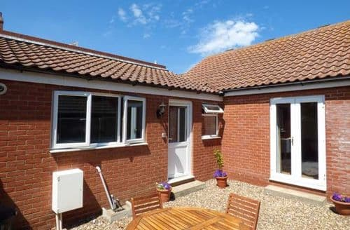 Last Minute Cottages - Gorgeous Mundesley Cottage S37212