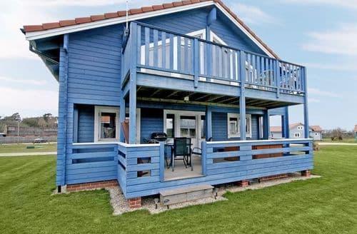 Last Minute Cottages - Blue Pine Lodge