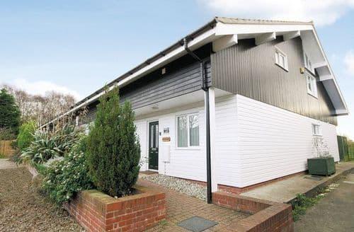 Last Minute Cottages - Quaint Happisburgh Cottage S17253
