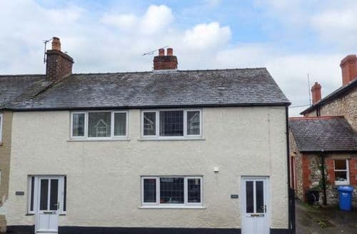 Last Minute Cottages - Beautiful Ruthin Apartment S44336