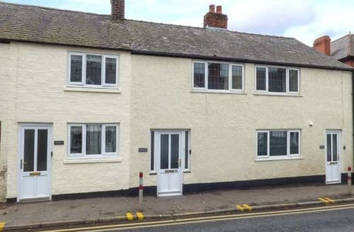 Last Minute Cottages - Lovely Ruthin Cottage S49891