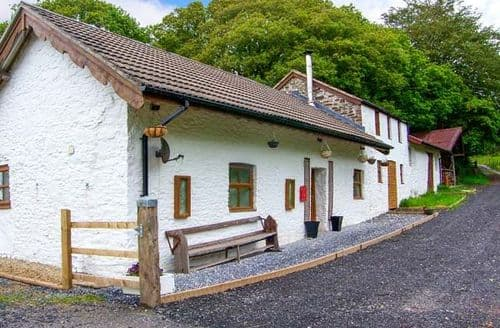 Last Minute Cottages - Bryndias Cottage