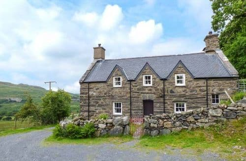 Last Minute Cottages - Isallt Fawr