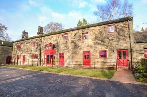 Last Minute Cottages - Delightful Stocksbridge Cottage S74674