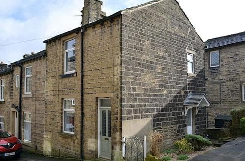 Last Minute Cottages - Lovely Haworth Cottage S78961