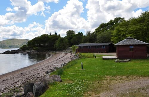 Last Minute Cottages - Luxury Lochgilphead Log Cabin S7257