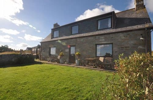 Last Minute Cottages - Attractive Lairg House S7361