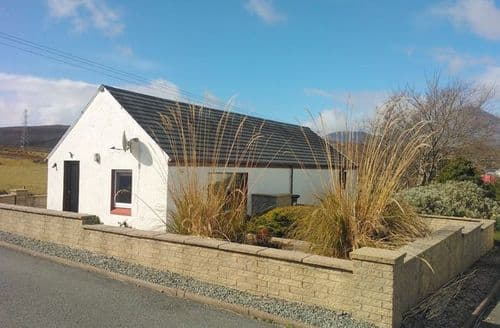 Last Minute Cottages - Excellent Isle Of Skye Bungalow S7356