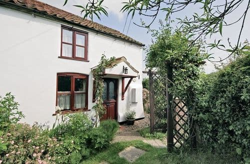 Last Minute Cottages - Luxury Horning Cottage S17361