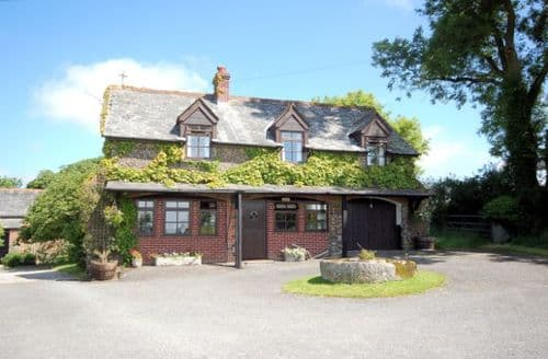 Last Minute Cottages - Stunning Lifton House S7990