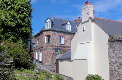 Big Cottages - Lovely Lynton Cottage S8100