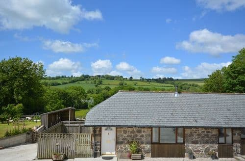 Last Minute Cottages - Wonderful Lifton Cottage S8131