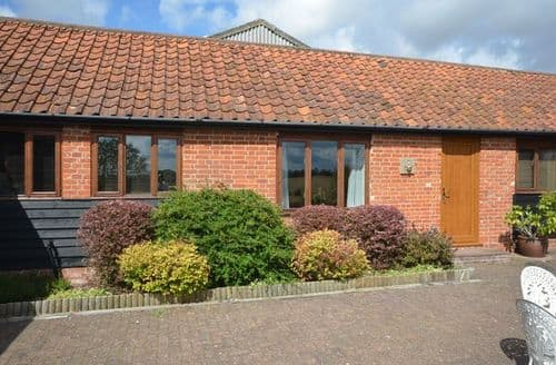 Last Minute Cottages - Splendid Ipswich Barn S9471