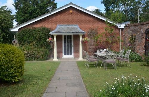 Last Minute Cottages - Splendid Wrexham Bungalow S38134