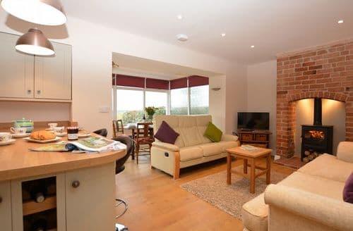 Big Cottages - Lovely Shrewsbury House S42565