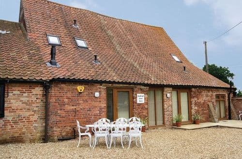 Last Minute Cottages - Hadleigh Farm Barn