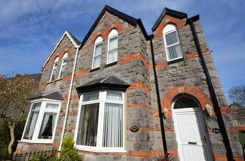 Big Cottages - Cosy Tenby House S45237