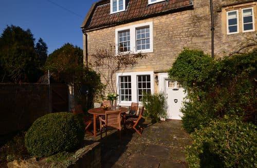 Last Minute Cottages - Charming Bath House S45669