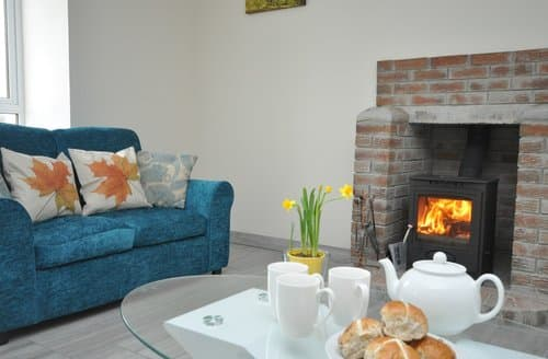 Last Minute Cottages - Cosy Ardgay Cottage S56429