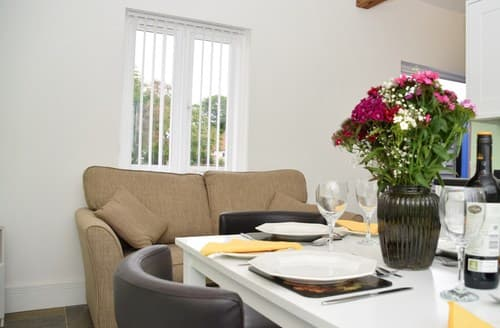 Last Minute Cottages - Gorgeous Rochester Barn S57745