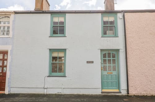 Last Minute Cottages - Bryn Haf, New Street