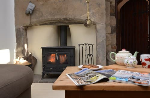 Last Minute Cottages - Stunning Todmorden House S72822