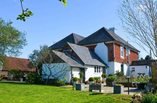 Big Cottages - Gorgeous Hurst Green House S72476