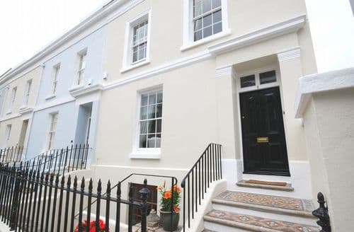 Last Minute Cottages - Delightful Plymouth Apartment S8273