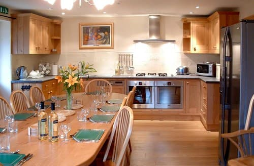 Last Minute Cottages - Lovely Knightcote Barn S77334