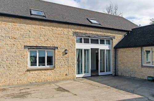 Big Cottages - Tasteful Witney Barn S77341