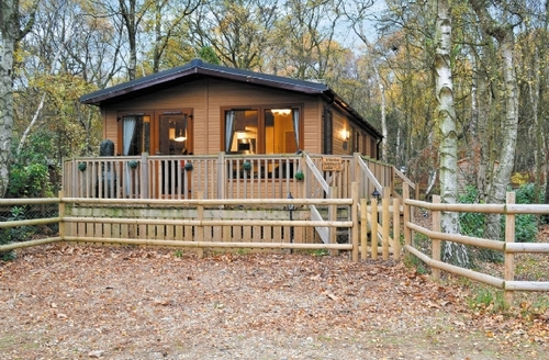 Last Minute Cottages - WENTWORTH LODGE