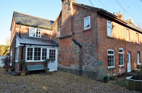 Last Minute Cottages - Inviting Pewsey Cottage S78190