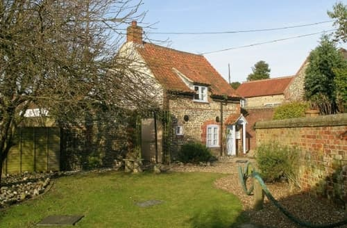 Last Minute Cottages - OLD CHARLIES
