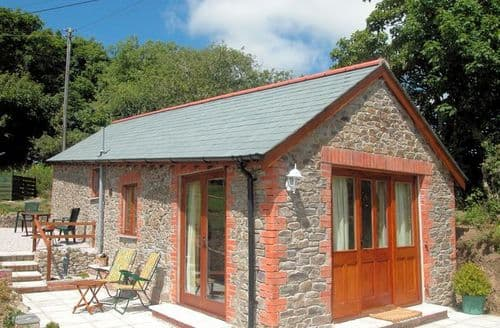 Last Minute Cottages - Adorable Bude Barn S8718