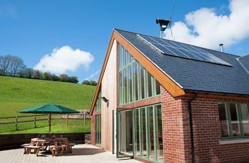 Big Cottages - Quaint Dorchester House S8494