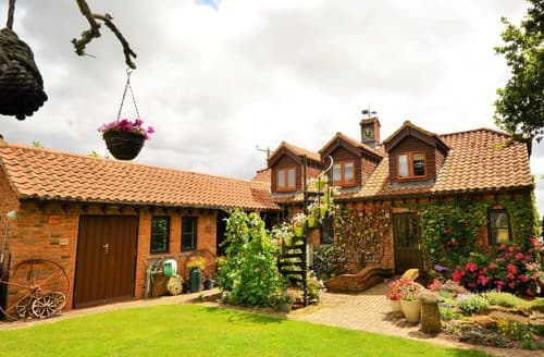 Last Minute Cottages - Superb Poole Apartment S8652