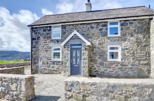 Last Minute Cottages - Pen y Bryn Cottage