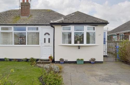 Last Minute Cottages - Excellent Blackpool Cottage S79040