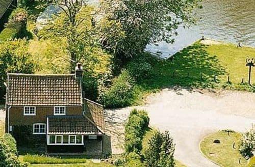 Last Minute Cottages - Exquisite Wroxham Cottage S17729